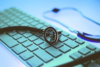 The first survey of the use of electronic medical records in Australia has found some doctors and nurses are still struggling to use the digital systems.