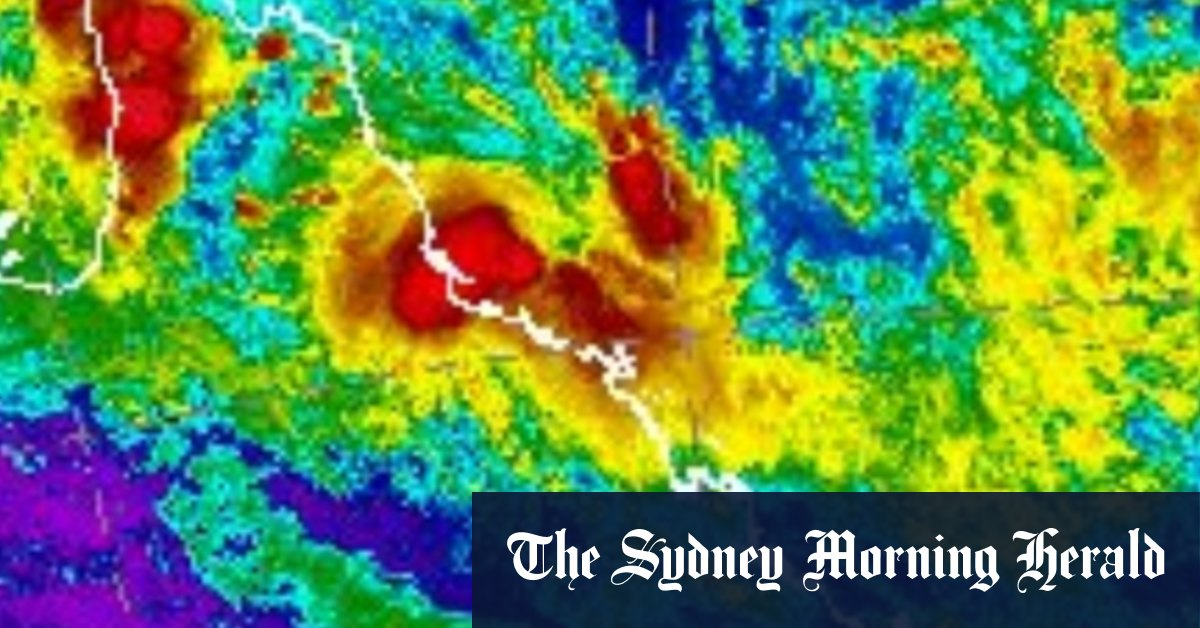 Tropical Cyclone Kimi to lash north Queensland coast … from a distance