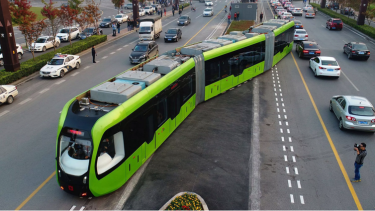A battery-powered trackless tram in operation in the Chinese city of Zhuzhou.