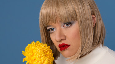 Sui Zhen delivers ethereal vocals over addictive grooves.