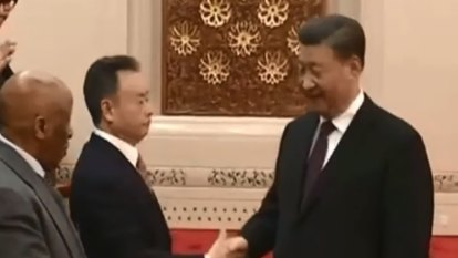 Xi Jinping sends strong message with handshake for Australian political donor