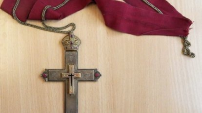 Tiny cross 'with splinters from Jesus' crucifixion' coming to Brisbane