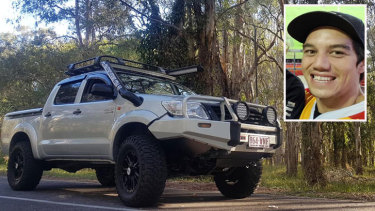 Bobby Cook chased down his ute as it was being stolen and jumped onto the tray ... all while wearing only a towel.