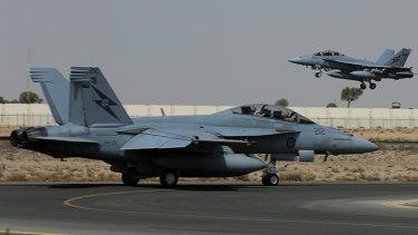 An Australian Air Force F/A-18F Super Hornet has crashed in Ipswich.
