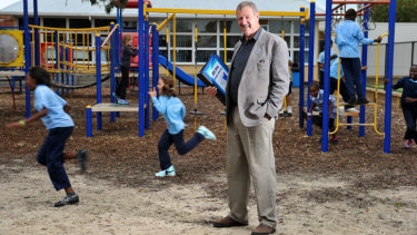 Dandenong North Primary School principal Kevin Mackay believes students from non-English speaking backgrounds will have lost six to eight months' learning.