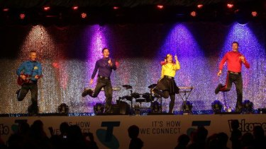 The Wiggles play Rod Laver.