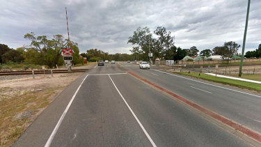Early Perth commuters forced to jump out of car before it was hit by train