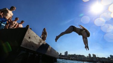 Sydney's heat is expected to peak over the weekend, with tops of 31 degrees on Saturday and 34 degrees on Sunday.