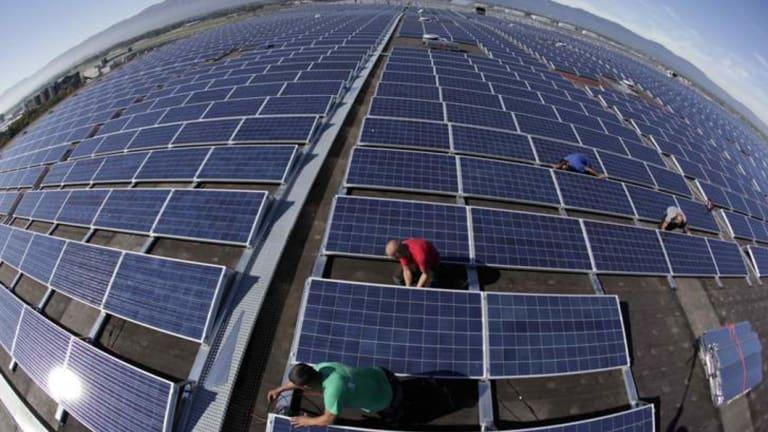 Sun Shines On Labor S Solar Scheme As Liberal Energy War