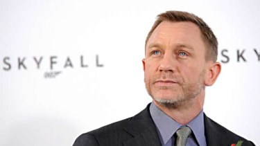 Daniel Craig has been injured filming the next James Bond movie in Jamaica.
