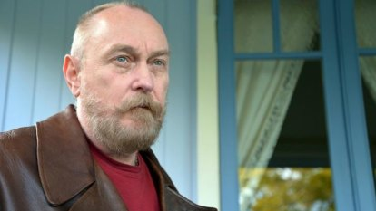 Stranded but not alone, Ed Kuepper revisits a 45-year catalogue