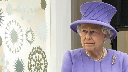 Queen Elizabeth deeply saddened by Notre Dame blaze, UK bells to toll