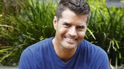 'Questions that need to be asked': Pete Evans endorses anti-vaxxer