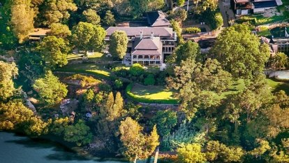 'Chinese Gatsby' billionaire built bar in Hunters Hill Aboriginal rock cave