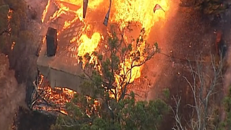 Victorian bushfires: Firefighters brace for more homes to