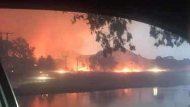 A fire on Texas Road andGlenlyon Drive, Stanthorpe, as seen fromBrittania Street, Stanthorpe.