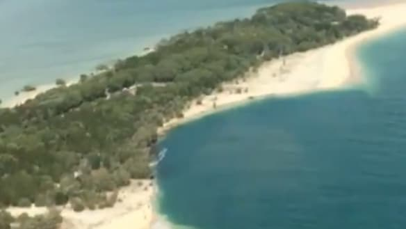 'This is not a sinkhole': Rangers monitor landslip on hungry Queensland beach