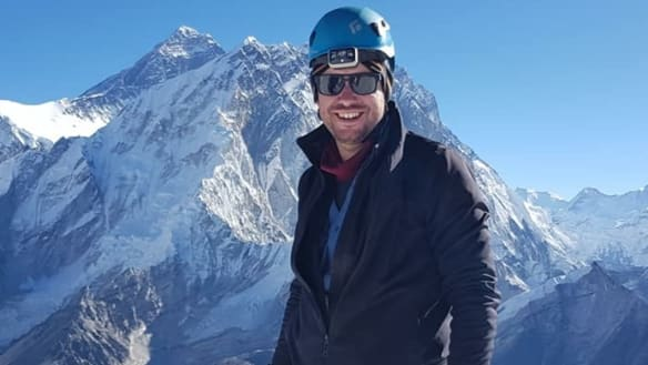 NSW man dies on Himalayan mountain descent after rock fall