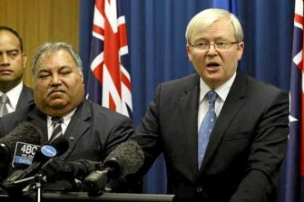 Nauru President Baron Waqa and then Prime Minister Kevin Rudd announce an asylum seeker deal in 2013.