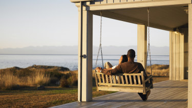 Advantages of moving to a warmer and more relaxed environment before retirement.