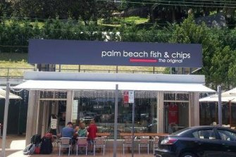 The exterior of Palm Beach Fish and Chips.