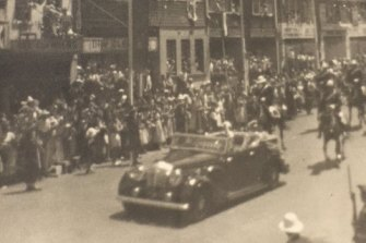 When the Queen came to town: The royal tour drives past the Green Park hotel in 1954.