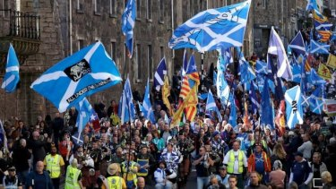 Tens of thousands marched in Edinburgh on Saturday in support of a renewed push for Scottish independence.