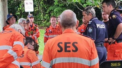 Man missing in Daintree might have hidden from searchers, police say