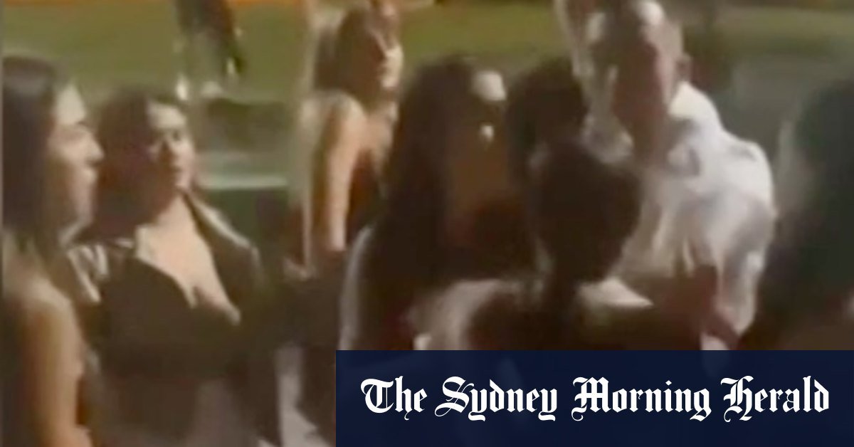 'Cowardly act': Men charged over Mardi Gras assault on girls – Sydney Morning Herald