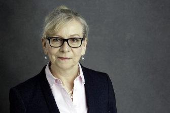 Professor Sharon Peacock FMedSci CBE is the Executive Director and Chair of the COVID-19 Genomics UK (COG-UK) consortium.