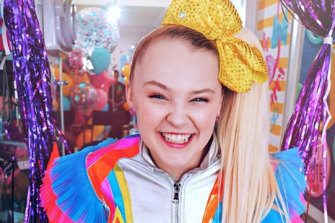 "JoJo Siwa: ""I'm the happiest that I've ever been, and that's what matters."""