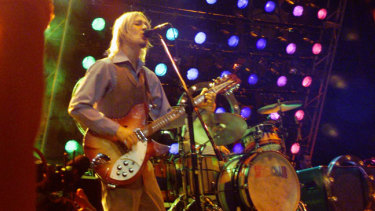 Silverchair perform at the ARIA Awards in 2002.