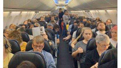 Qantas passengers stranded on tarmac at New Zealand military base