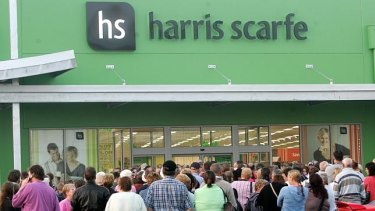 Harris Scarfe has gone into receivership less than a month after a deal to sell the chain to Allegro Funds.