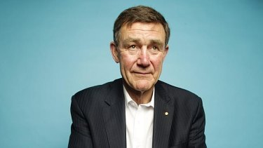 Former Defence Force chief Sir Angus Houston has provided a written reference for former Liberal MP Peter Hendy in his bid for the Senate.