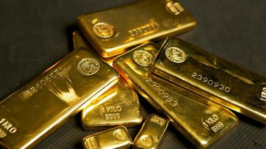 Retail investors who have applied for new shares in gold miner St Barbara have been given approval to change their mind.