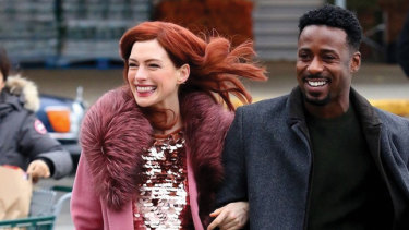 A scene from Modern Love starring Anne Hathaway and Gary Carr.