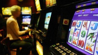 Church leaders are urging MPs to support a move to cashless poker machines.