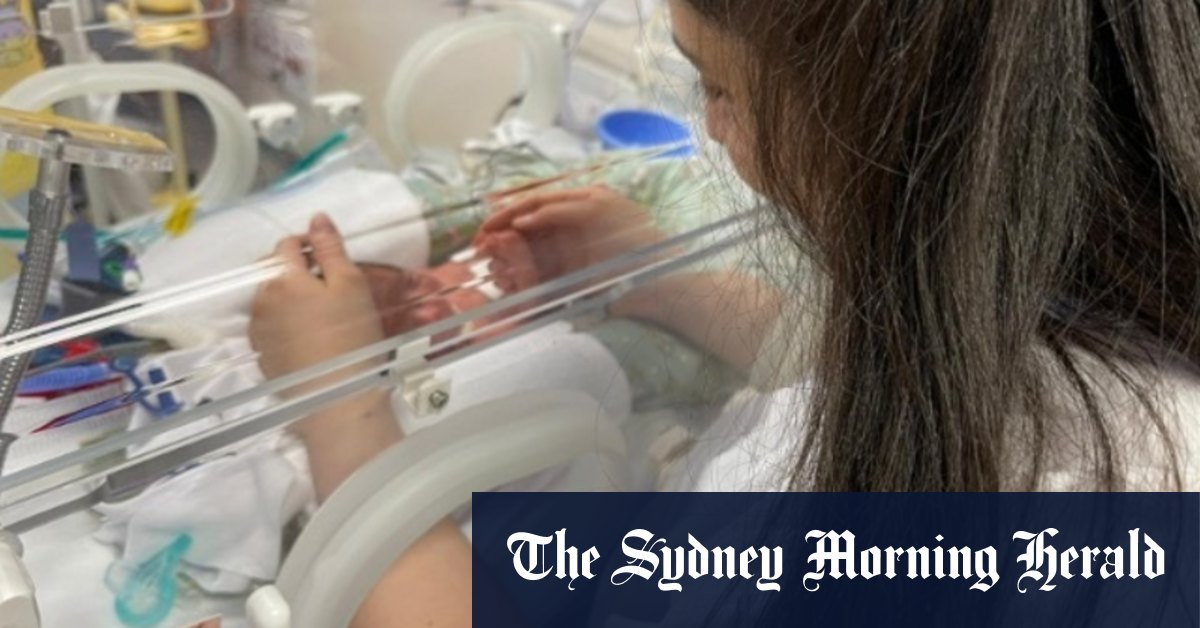 'No one was going to stop me': Quarantined parents finally meet newborn – Sydney Morning Herald