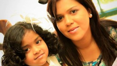 Manik Suriaaratchi and her 10-year-old daughter Alexendria.