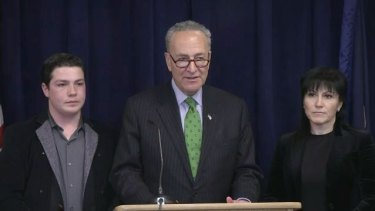 US Senator Chuck Schumer, with Rita Tolstykh, right, and her son in 2016, issued public pleas to US and Australian authorities to speed up extradition.