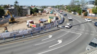 Lanes being added to Lytton Road near Heidelberg Street, East Brisbane.