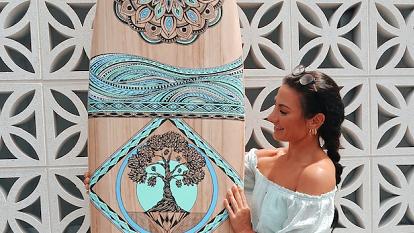 Digital tools help side hustle go full-time for surfboard artist Jess Lambert