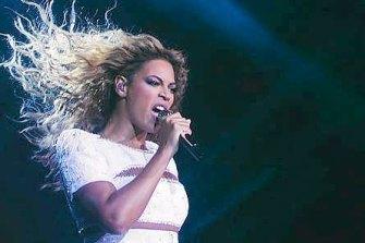 Beyonce performing during her 2007 Australian tour.