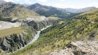 An Australian man died in a rafting incident on the Shotover River, near Queenstown, on Saturday afternoon.