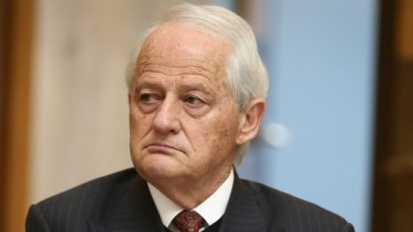 Hornsby mayor Philip Ruddock has apologised for remarks to a woman in council.