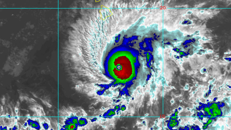 Hurricane Lane could bring rainfalls of close to half a metre.