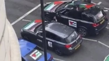 Vehicles with Palestinian flags seen in London. Their occupants shouted anti-Semitic statements.