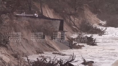 Byron Bay's beaches suffer erosion as northern NSW communities face further deluge, potential flooding