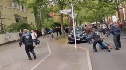 Anti-vax Querdenker protesters clash with police in Berlin, hundreds arrested
